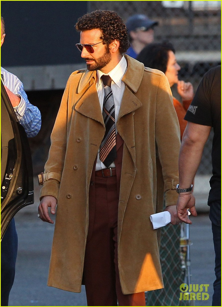 bradley cooper films american hustle after nyc weekend 06