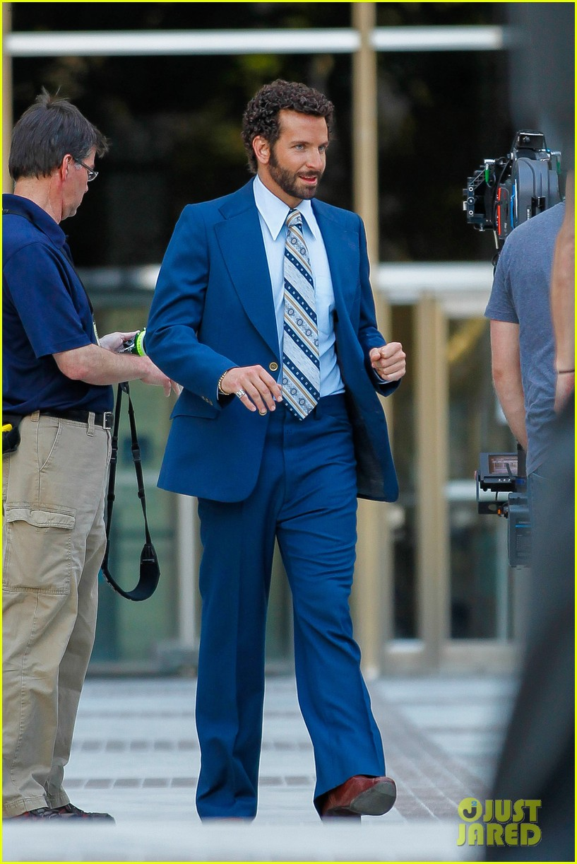 bradley cooper works out before filming american hustle 182873333