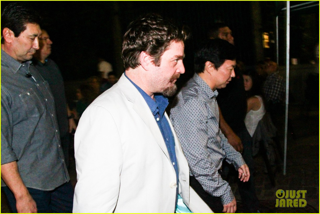 bradley cooper hangover night out with the cast 092880708