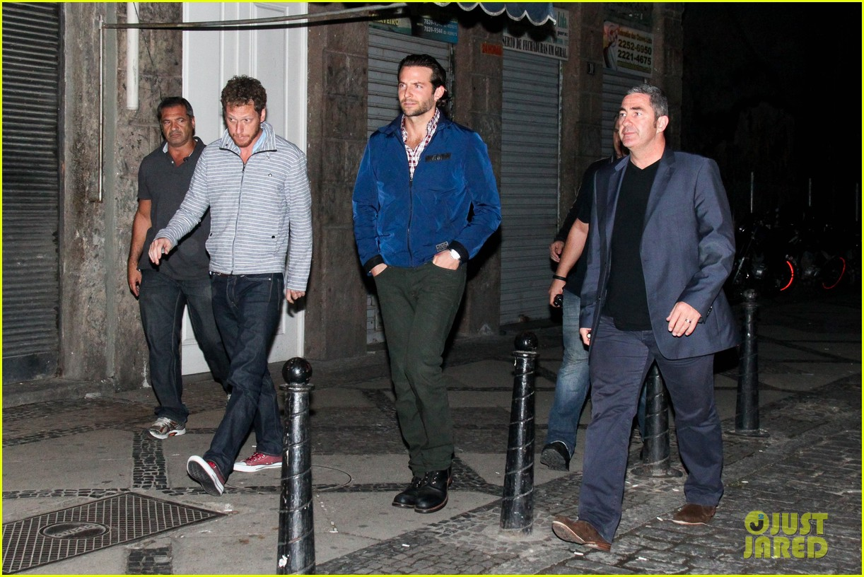 bradley cooper hangover night out with the cast 11