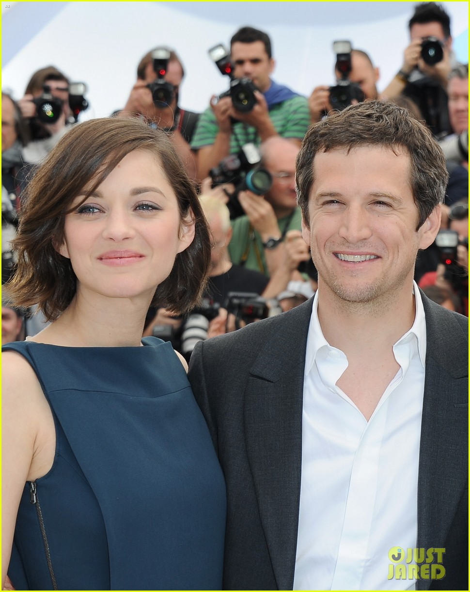 marion cotillard zoe saldana cannes blood ties photo call 062874581