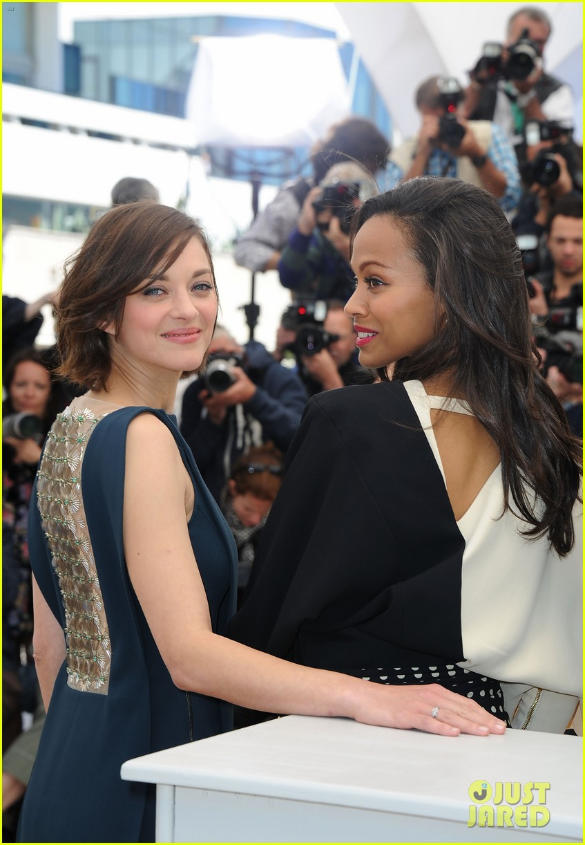 marion cotillard zoe saldana cannes blood ties photo call 07