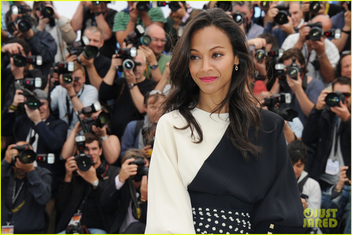 marion cotillard zoe saldana cannes blood ties photo call 09