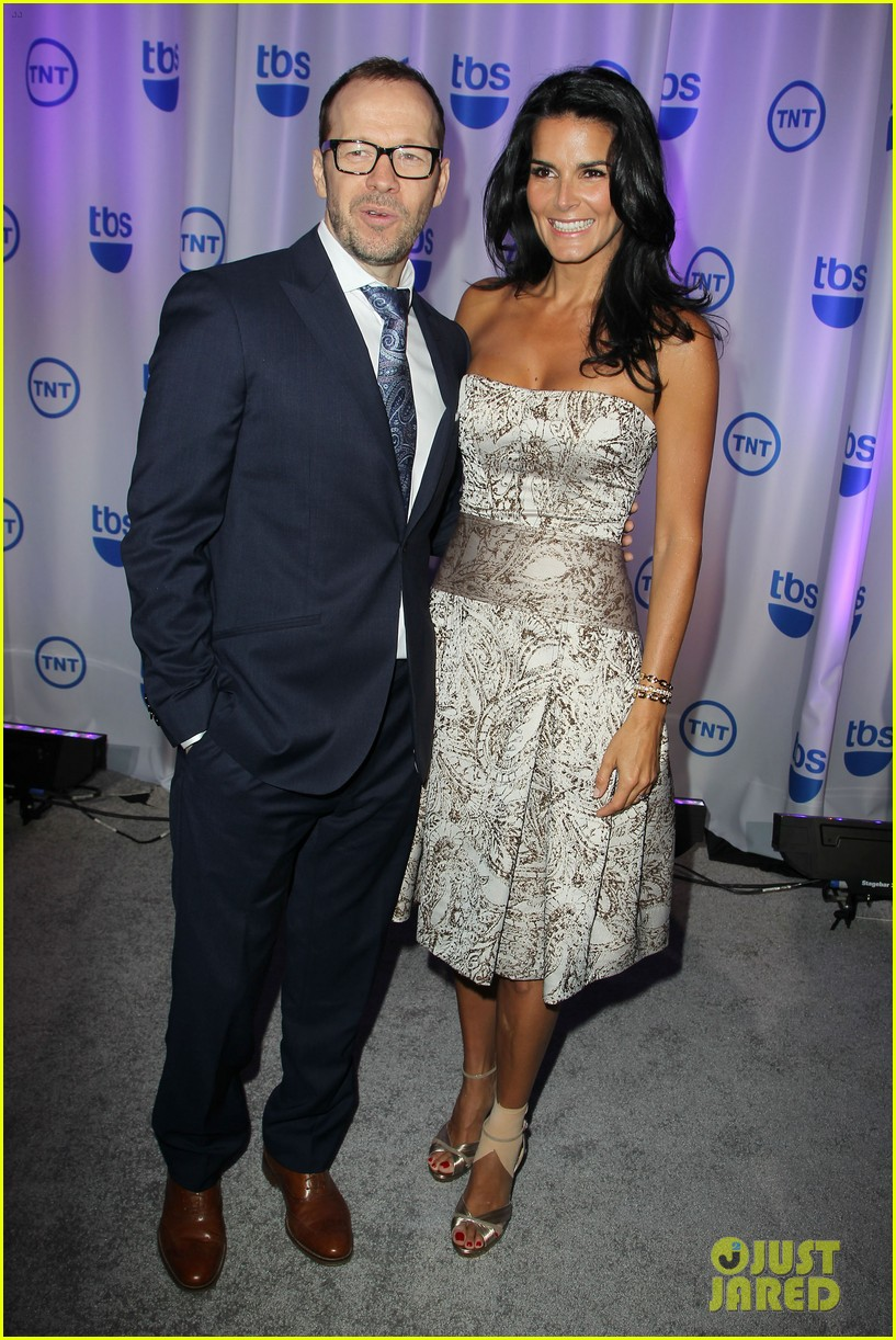 courteney cox rachael leigh cook tbs tnt upfront 2013 04