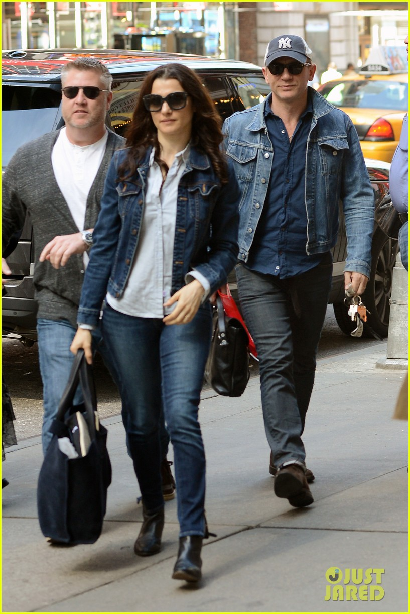 daniel craig rachel weisz denim jacket duo 11