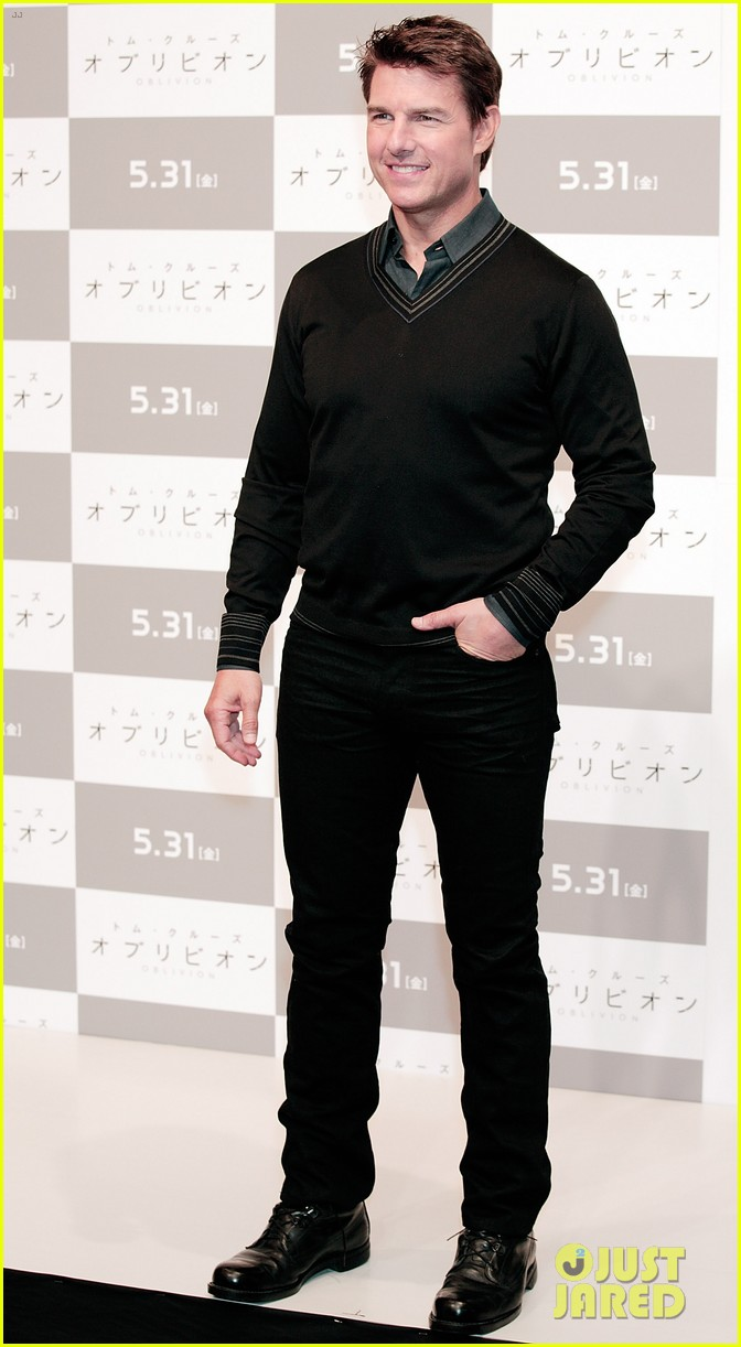 tom cruise olga kurylenko oblivion tokyo press conference 062865876