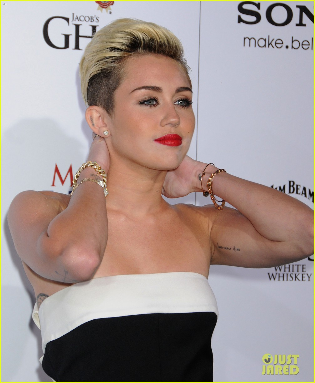 miley cyrus maxim hot 100 party 12