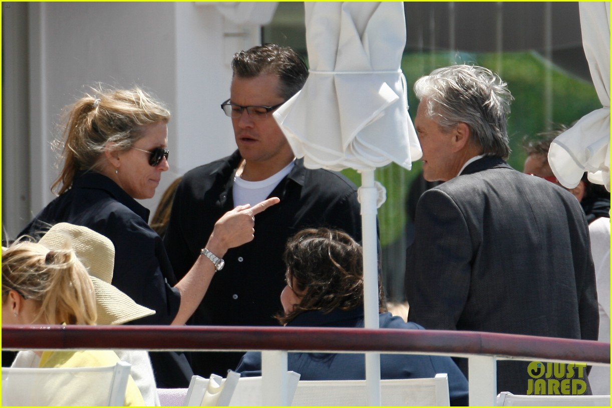 matt damon family dinner with michael douglas 11
