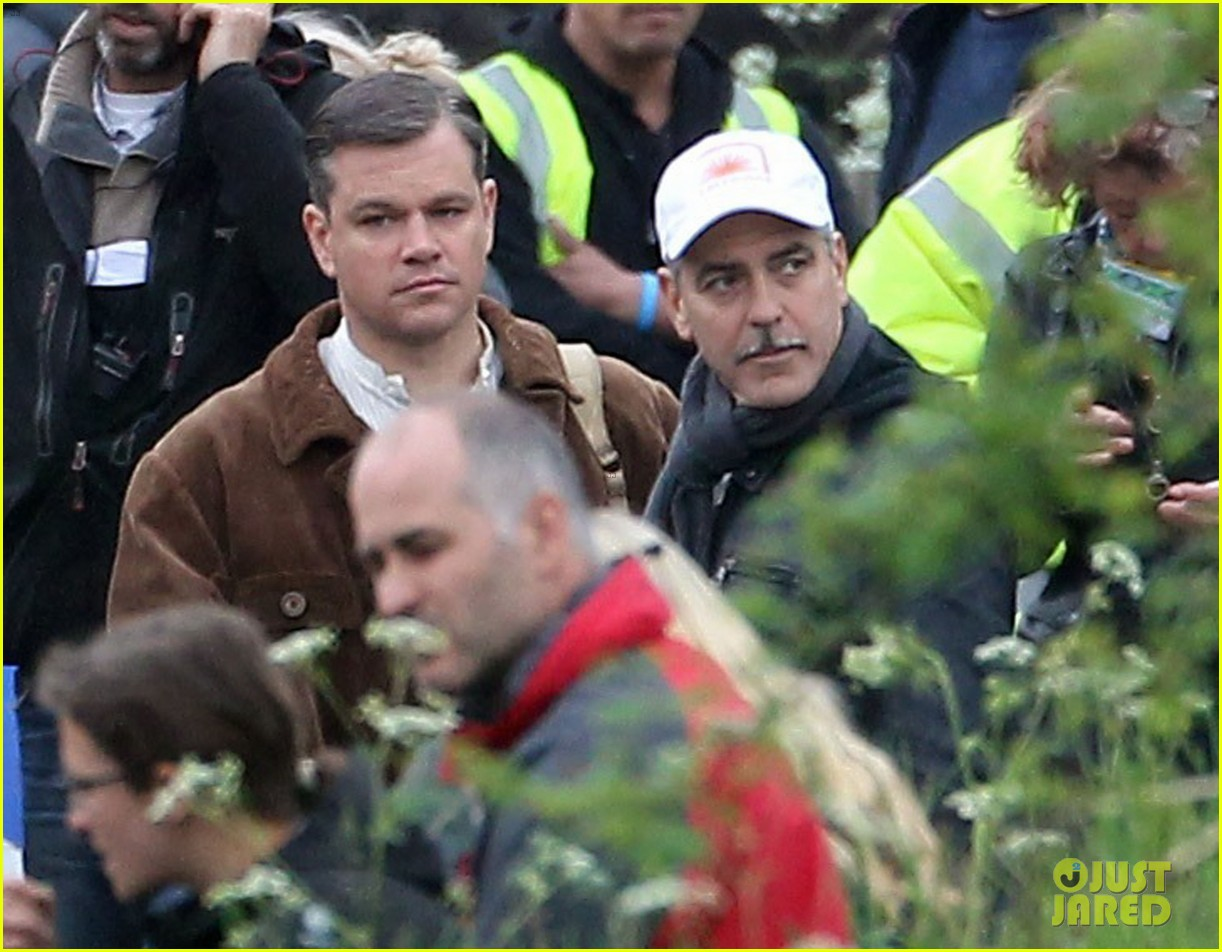 matt damon george clooney get to work on monuments men 16