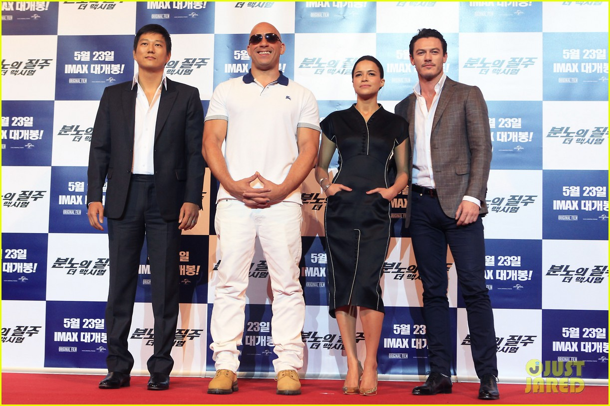 vin diesel michelle rodriguez fast furious 6 seoul press conference 04