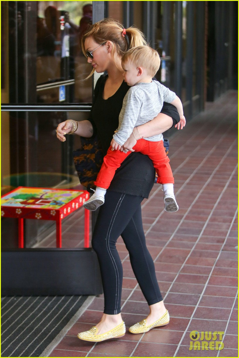 hilary duff luca gets his hair cut 12