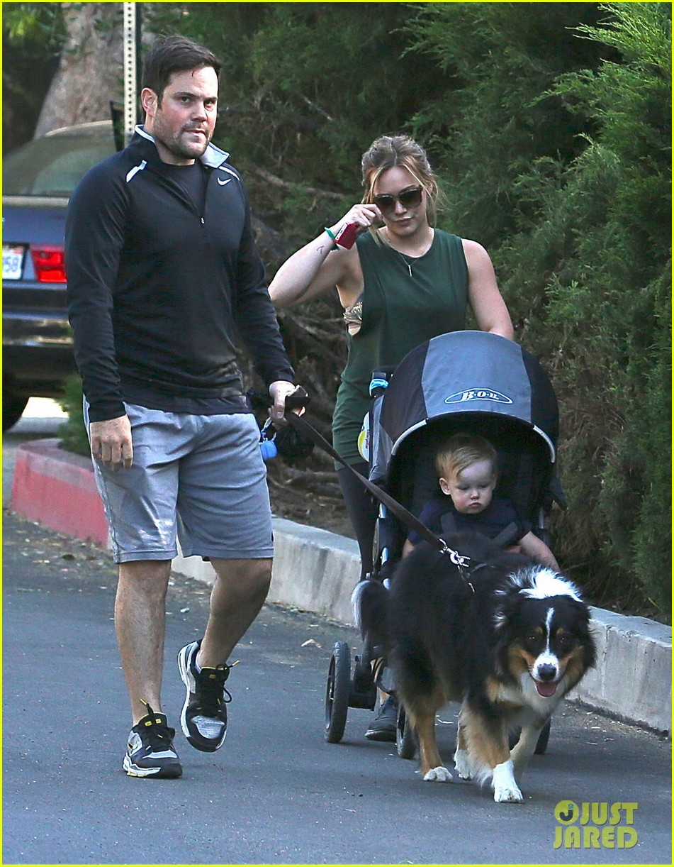 hilary duff mike comrie family hike with luca 01