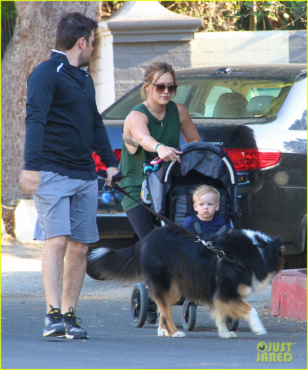 hilary duff mike comrie family hike with luca 14
