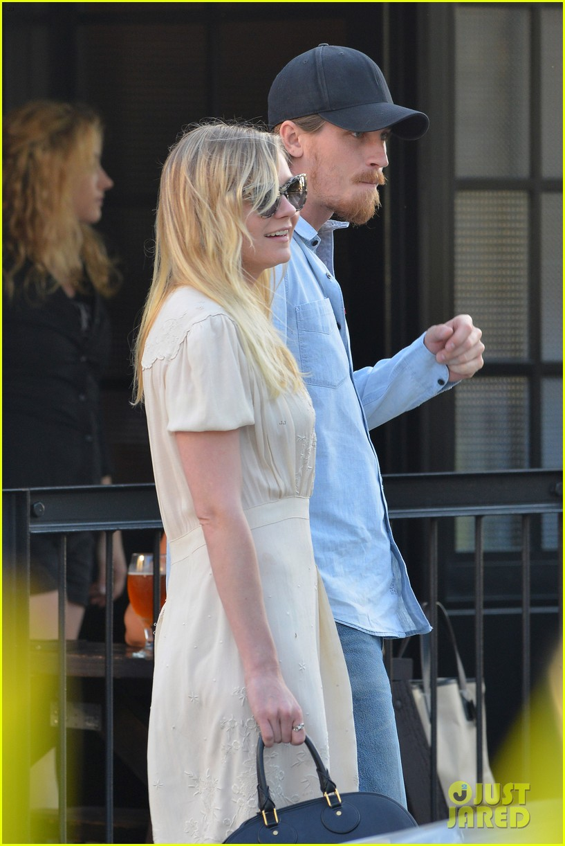 kirsten dunst breaking news and photos just jared