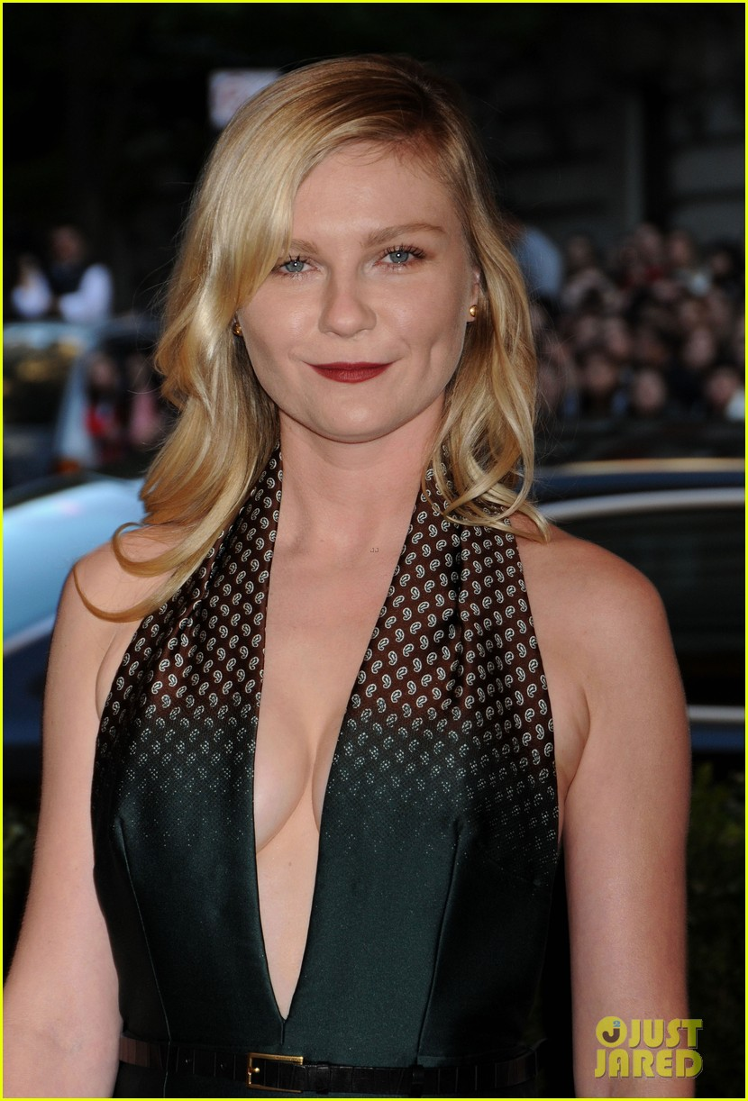 kirsten dunst met ball 2013 red carpet 05