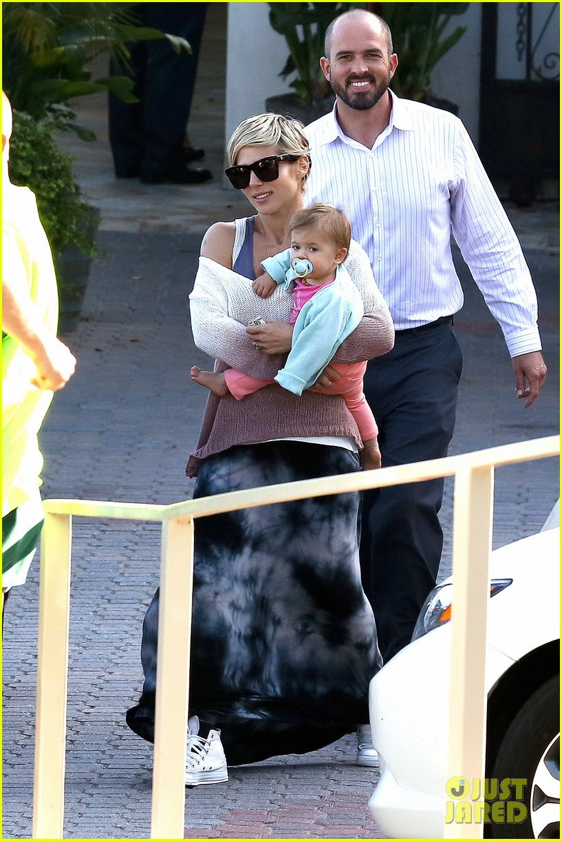 elsa pataky takes india to lunch with her mom 012879054