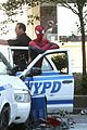 andrew garfield films spider man 2 emma stone watches dog 07