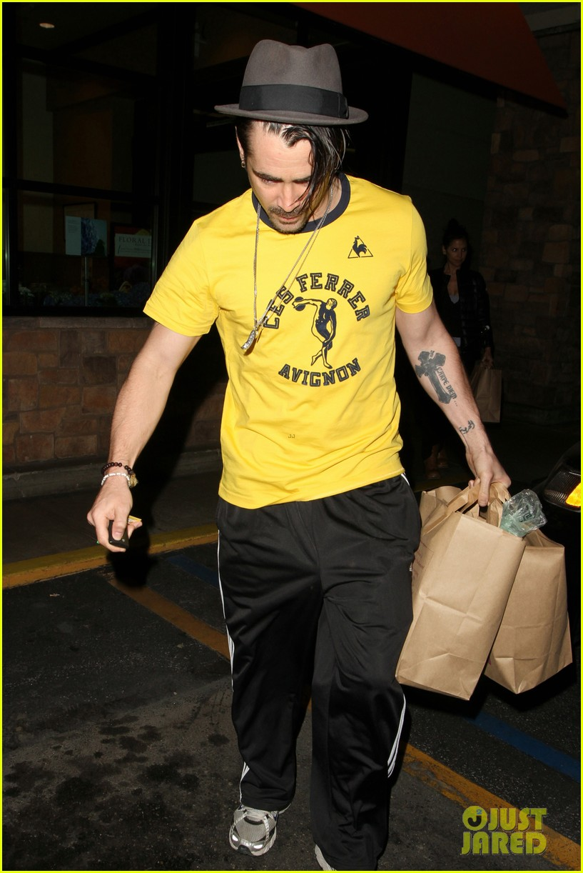 colin farrell picks up groceries on epic opening night 08