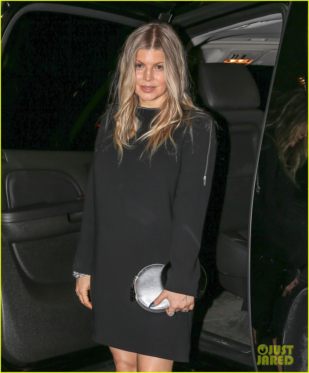 pregnant fergie busy in the big apple 042877298