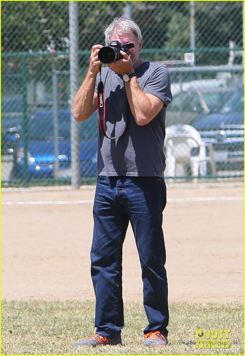 harrison ford calista flockhart liam soccer game 02