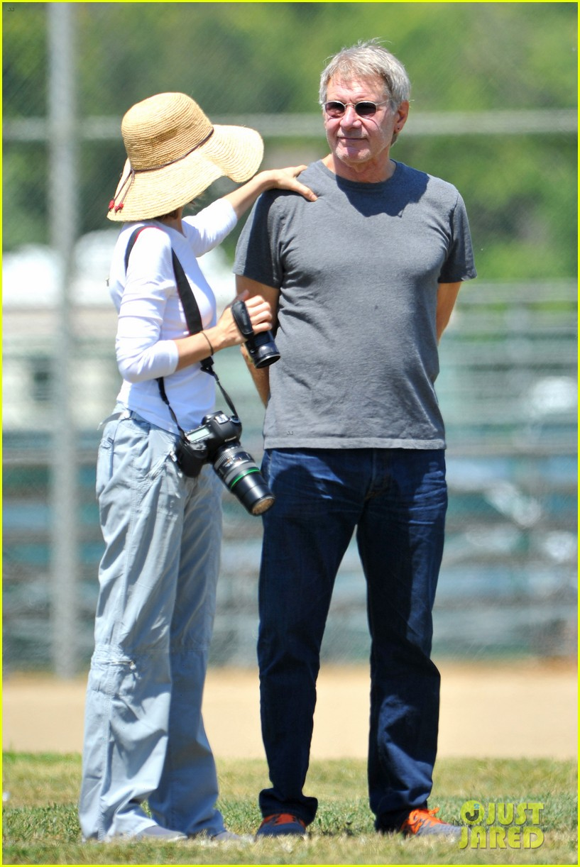 harrison ford calista flockhart liam soccer game 102868789