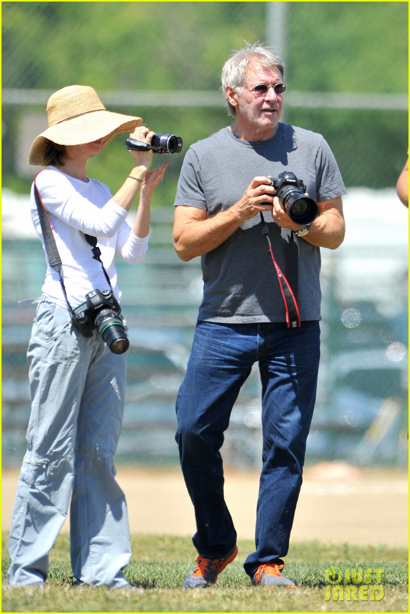 harrison ford calista flockhart liam soccer game 22