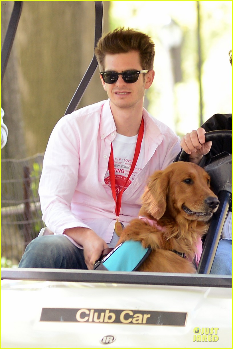 andrew garfield emma stone holding hands at eif revlon run walk 082863537