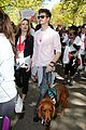 andrew garfield emma stone holding hands at eif revlon run walk 01