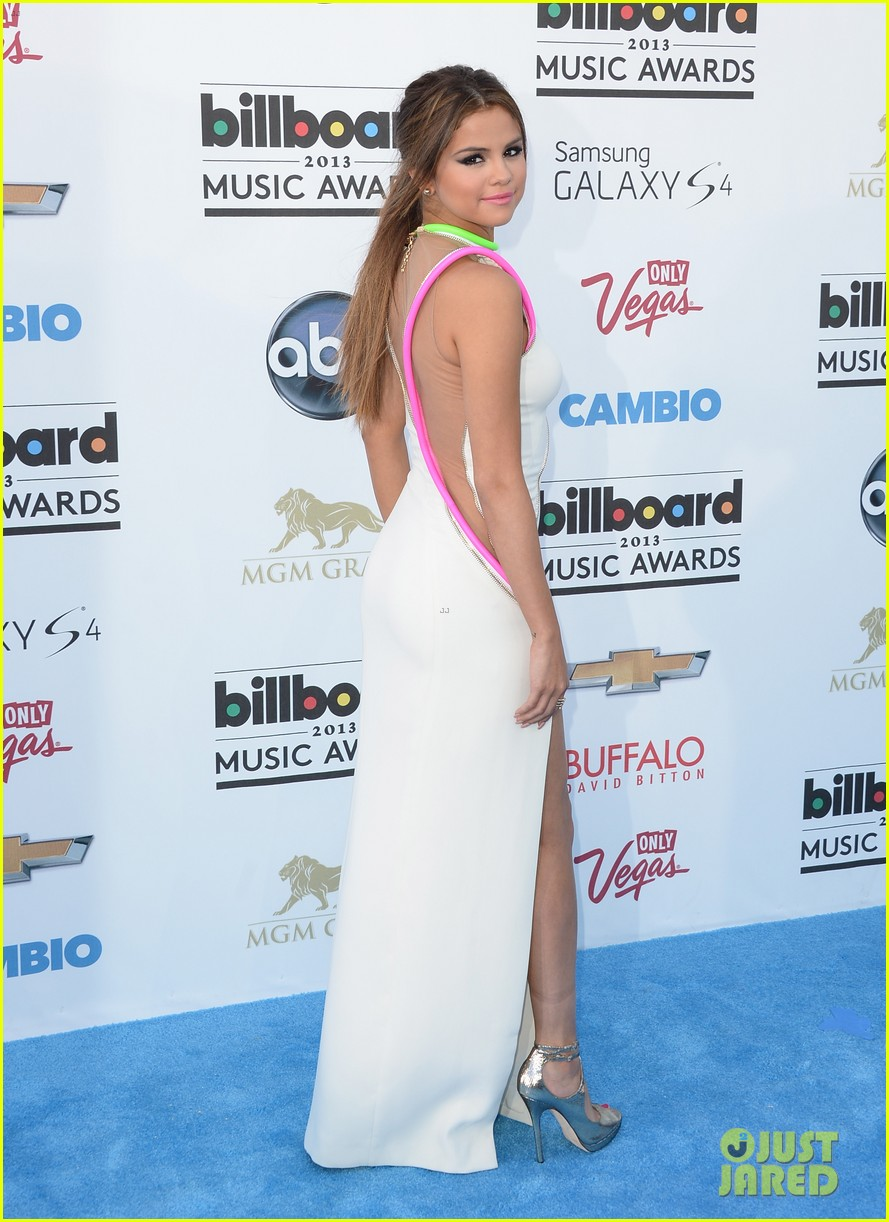 selena gomez billboard music awards 2013 red carpet 152873926