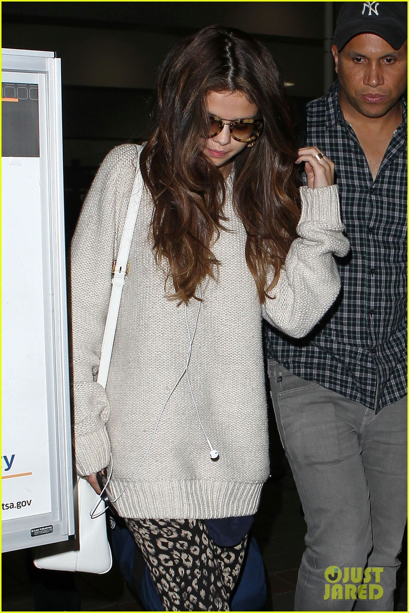 selena gomez back in los angeles after press tour 04