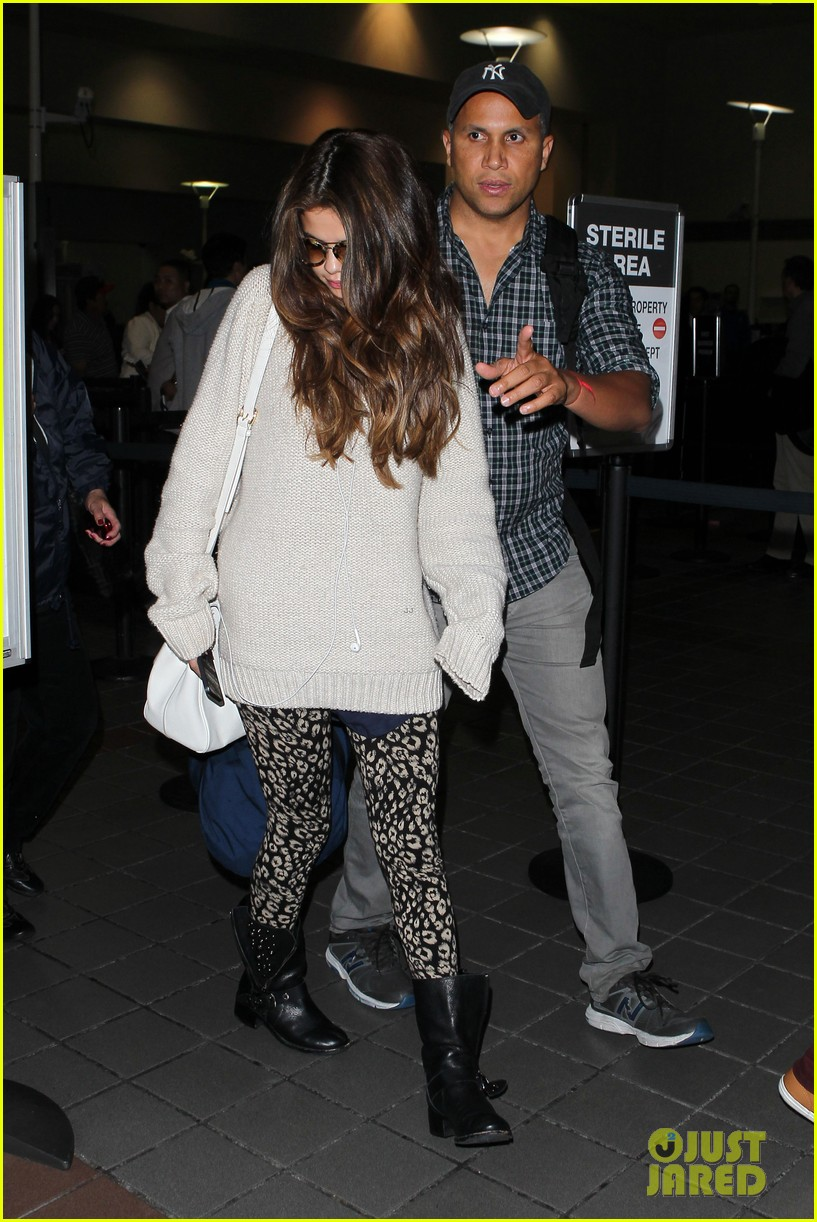 selena gomez back in los angeles after press tour 08