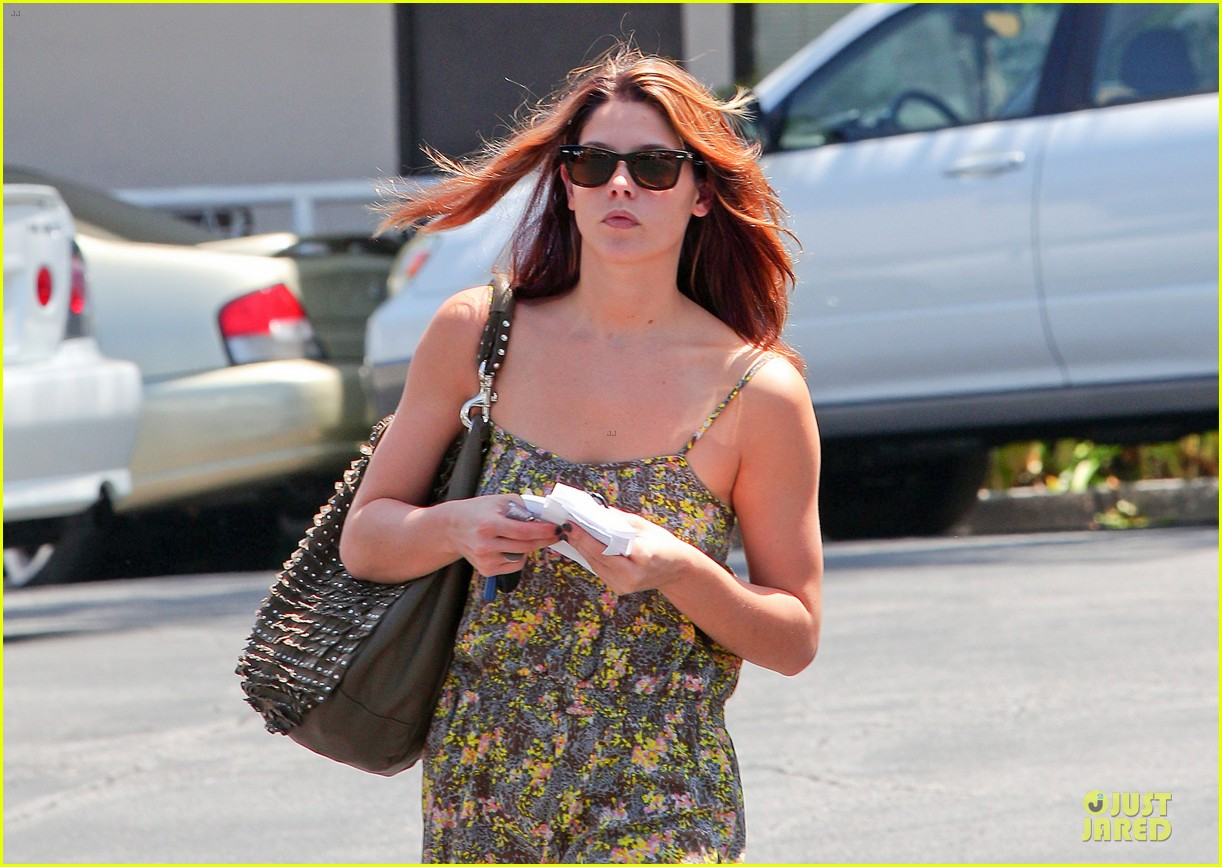 ashley greene i had rough few months after condo fire 052877907