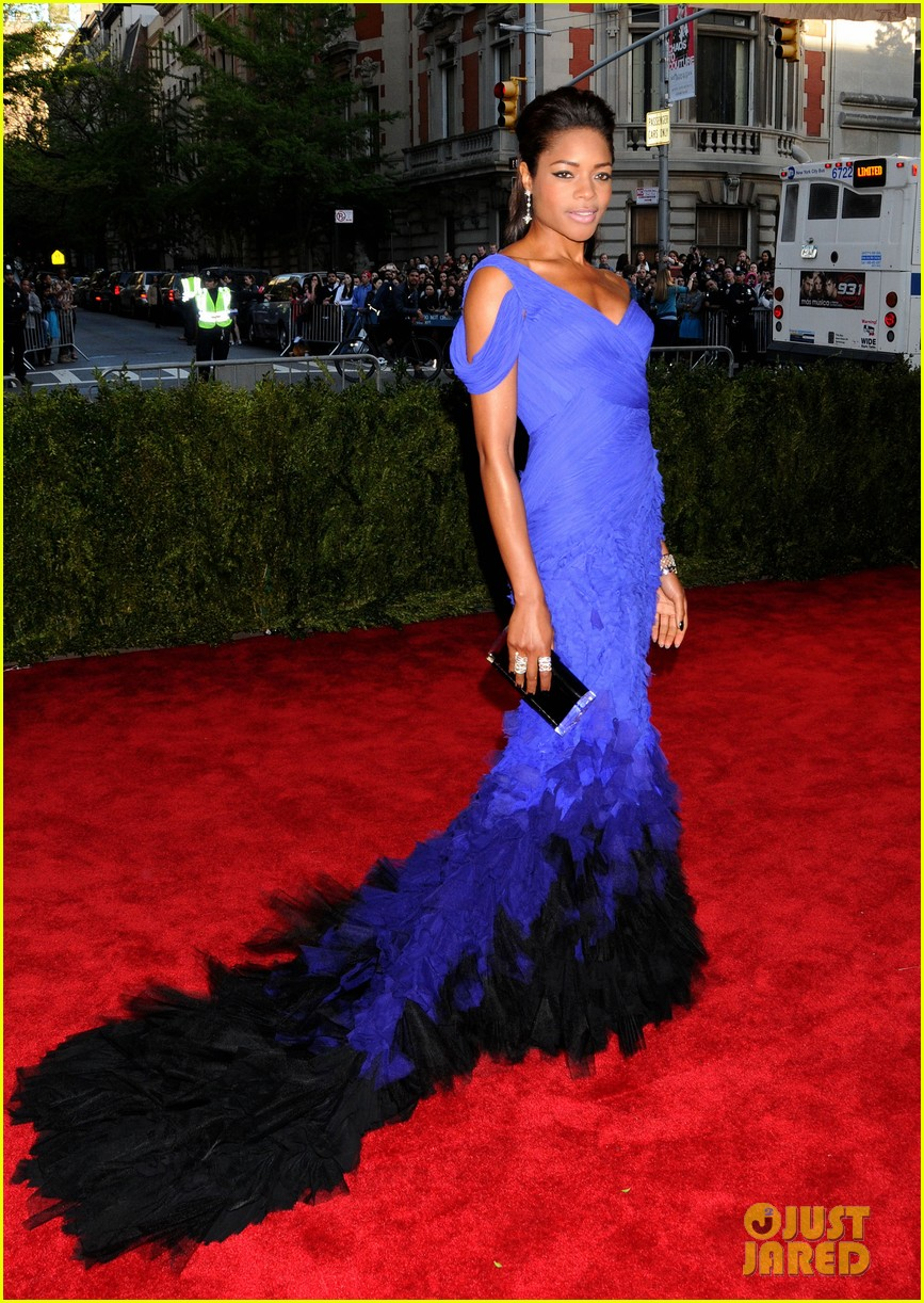 naomie harris met ball 2013 red carpet 022865076