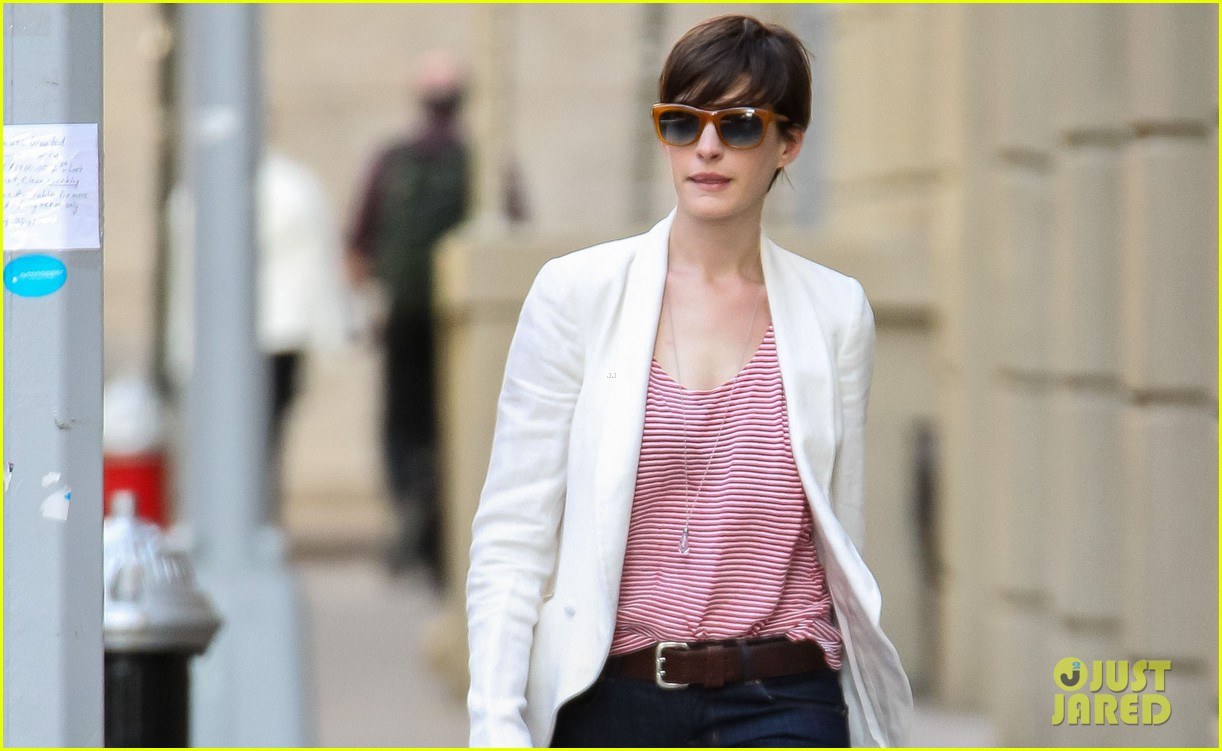 anne hathaway jessica chastain to join interstellar 032862932