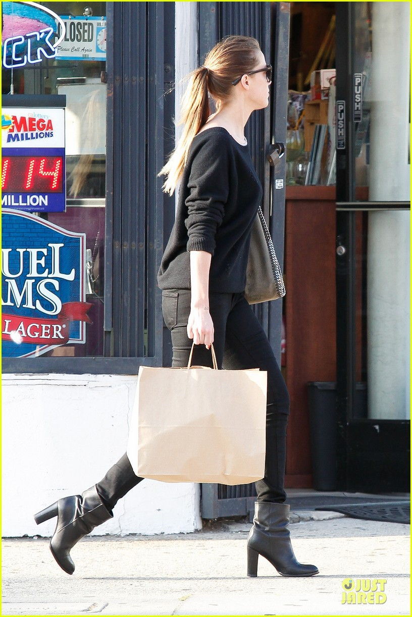 amber heard new stone age store store 192861660