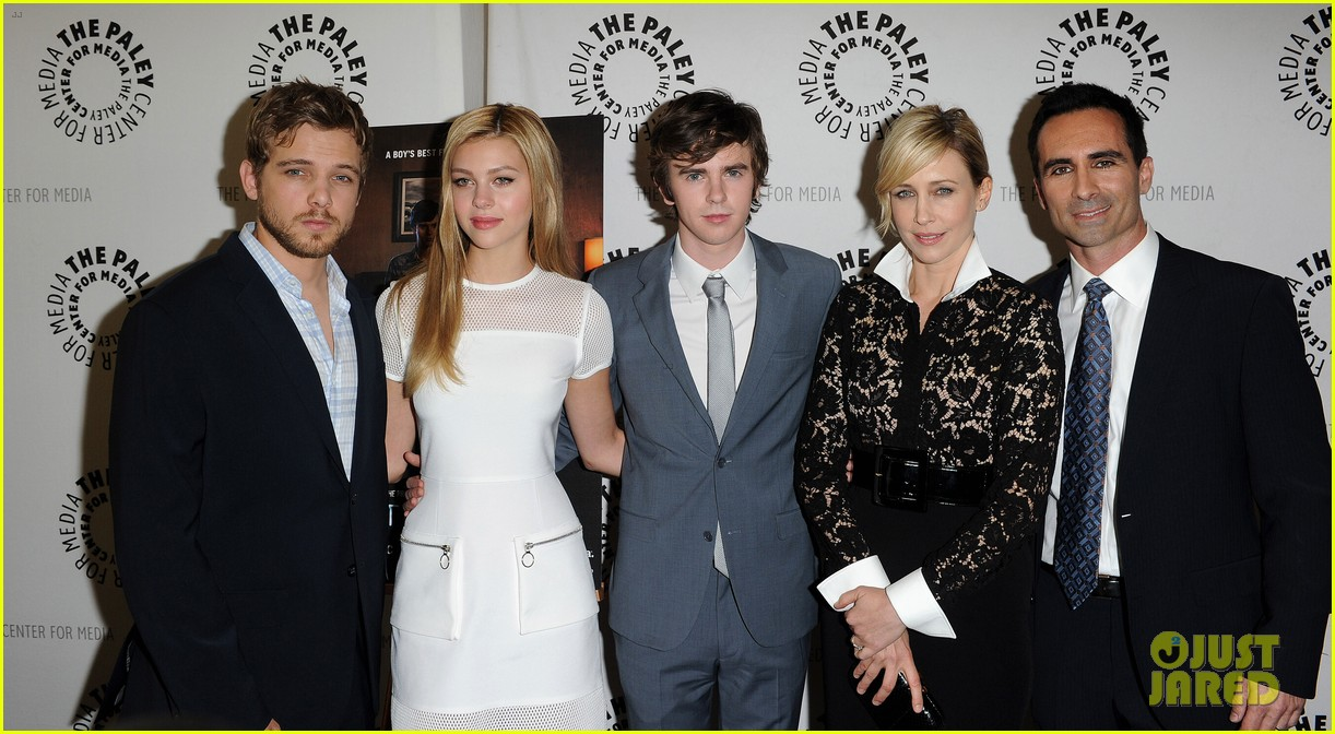 Family photo of the actor, engaged to Megan Park, famous for When It Comes.