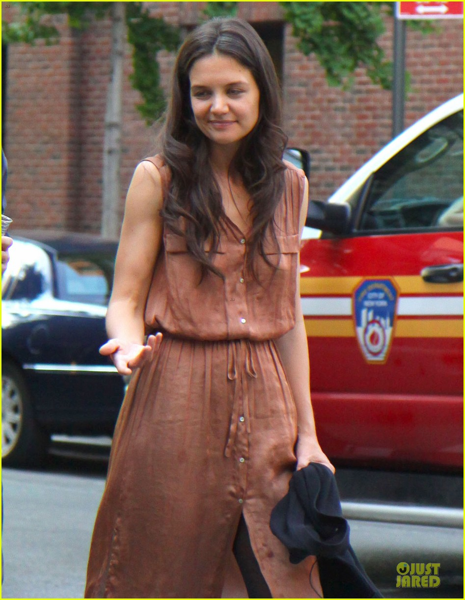 katie holmes luke kirby dinner after mania days filming 042876000