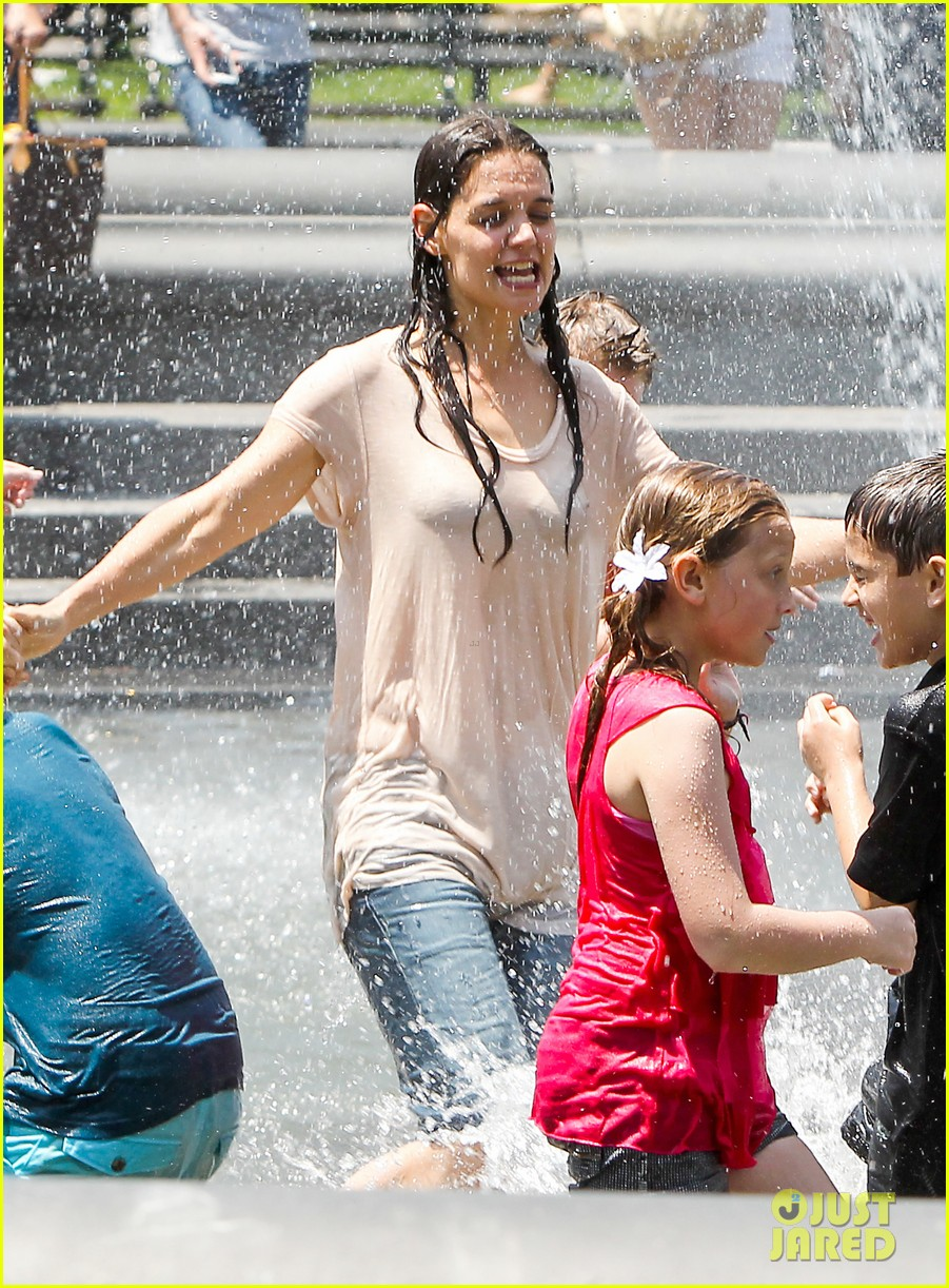 katie holmes soaking wet for mania days 03