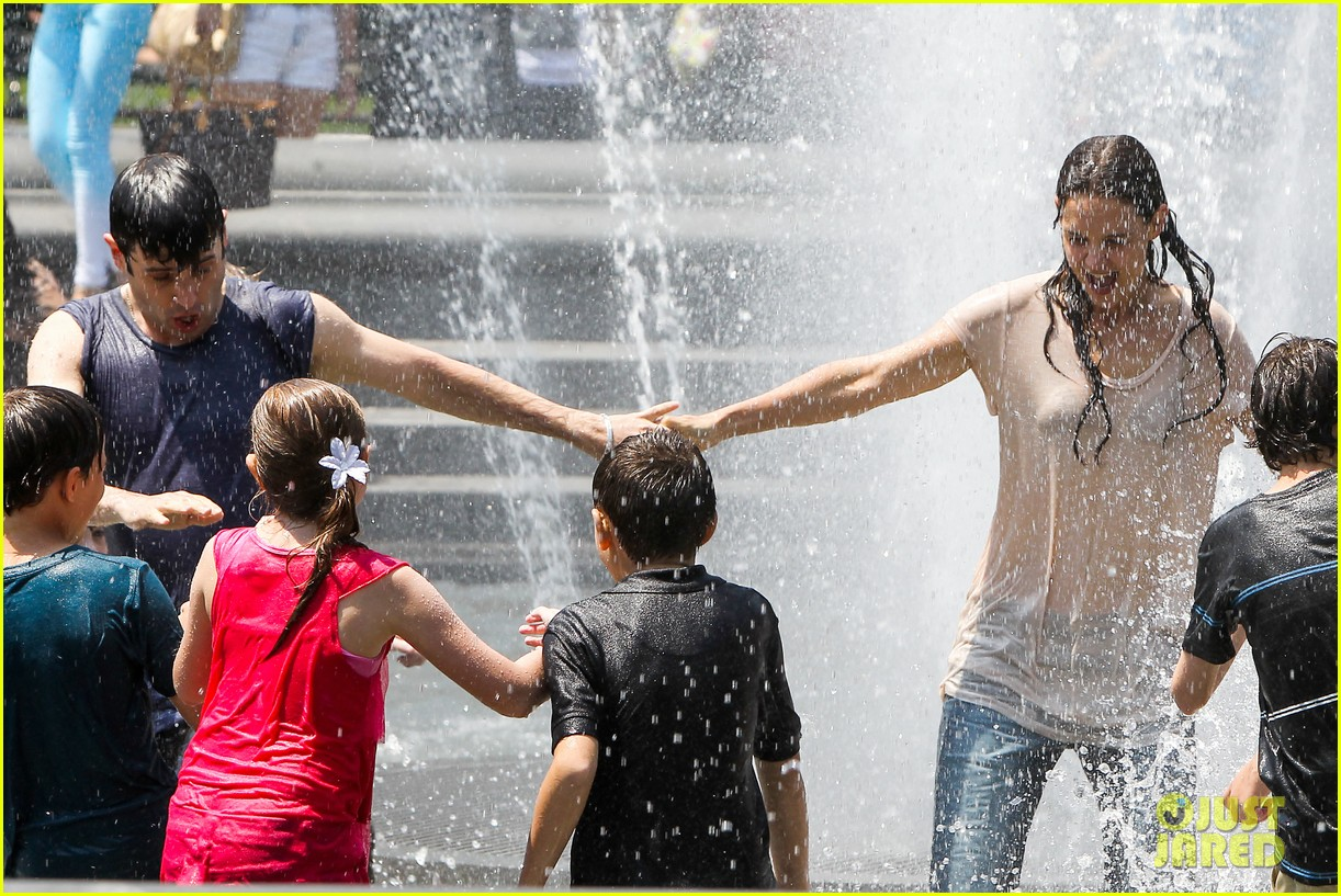 katie holmes soaking wet for mania days 24