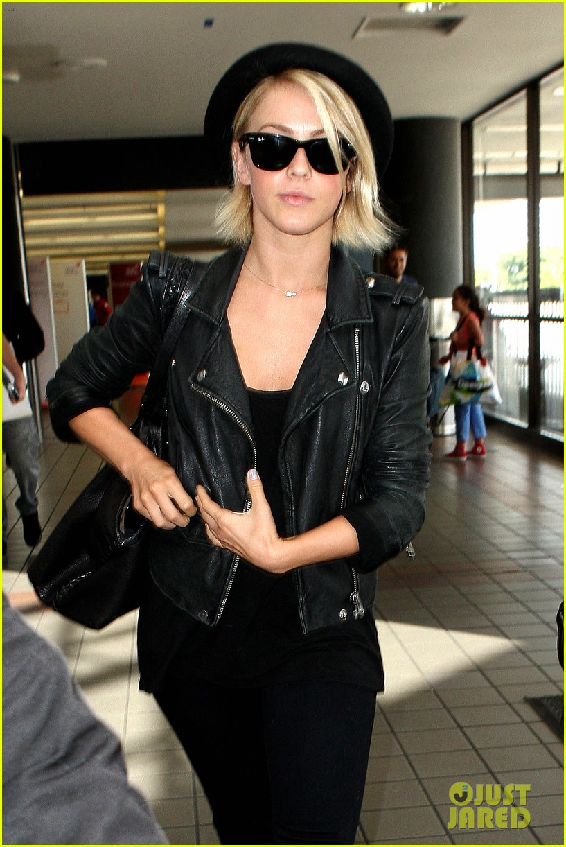 julianne hough skeleton shoes for london flight 122873231
