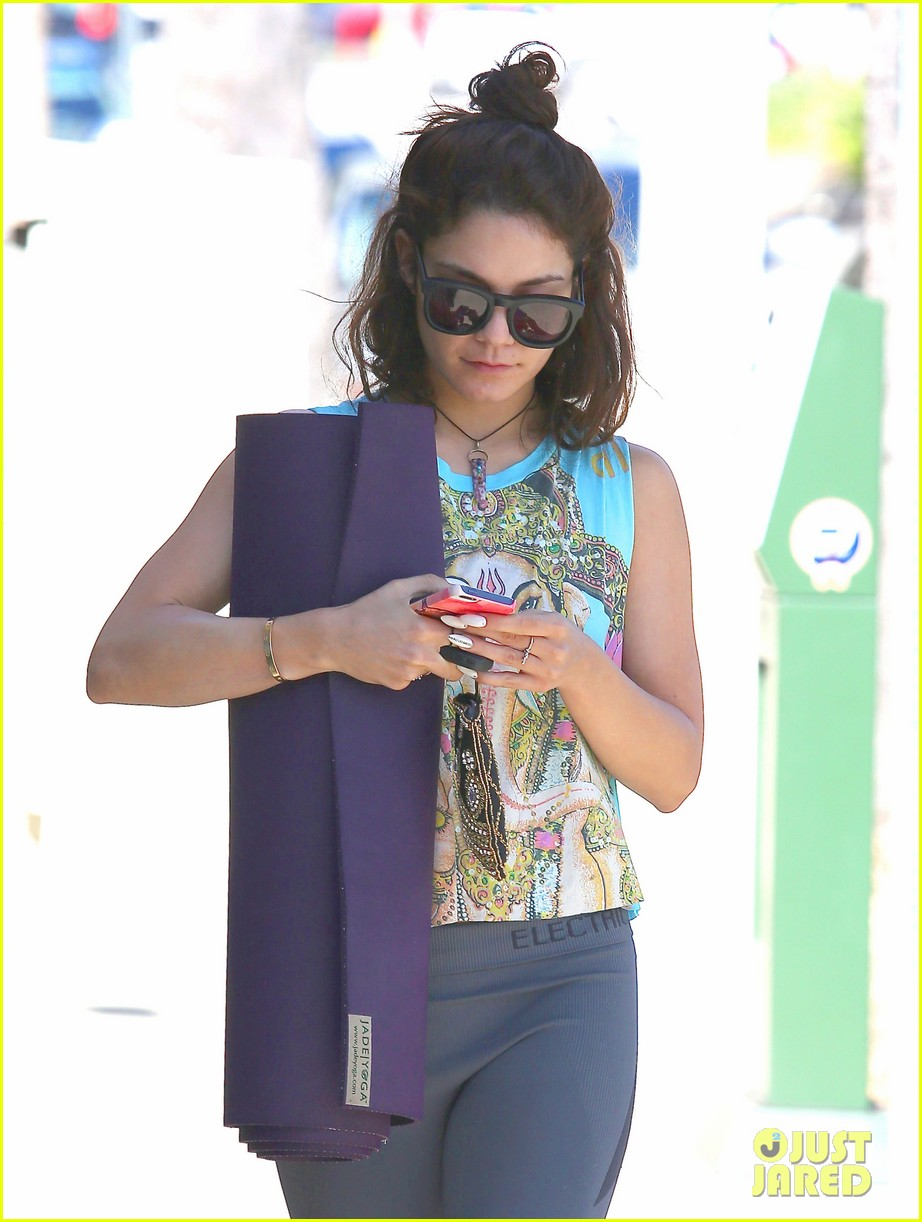 vanessa hudgens love you all for the letters 11