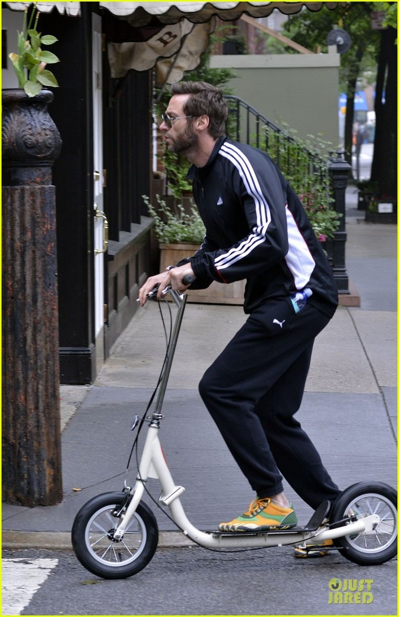 hugh jackman big apple scooter rider 042875811