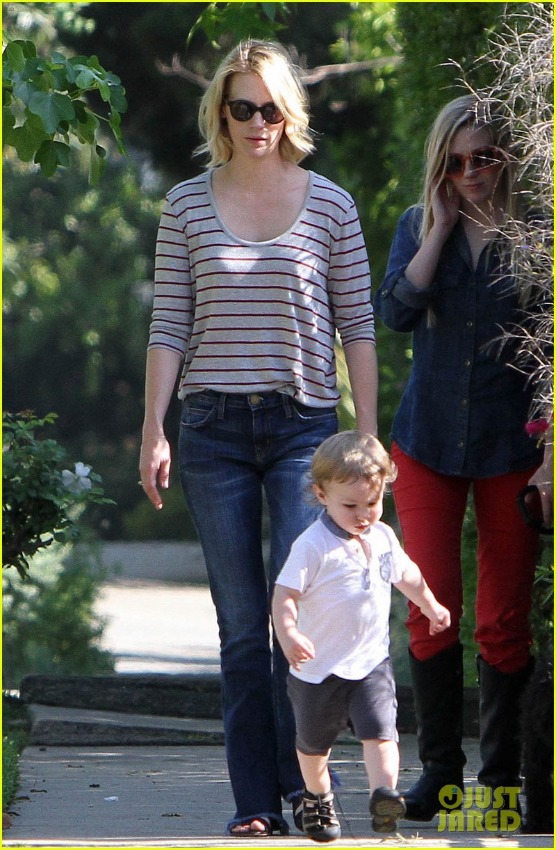 january jones xander walks in front of mommy 11