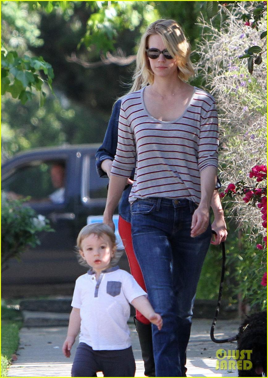 january jones xander walks in front of mommy 17