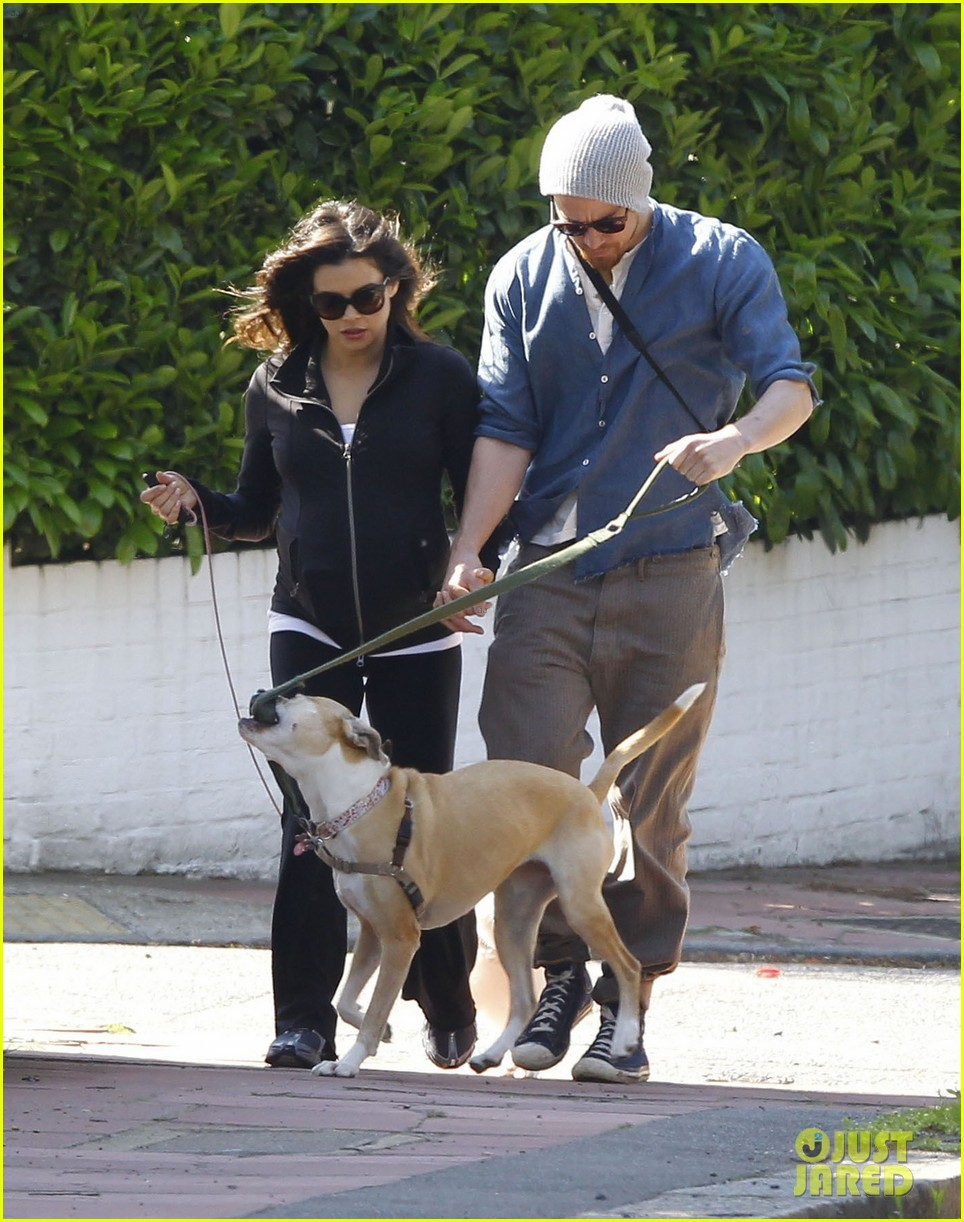 channing tatum jenna dewan take a dog walk following vet visit 12