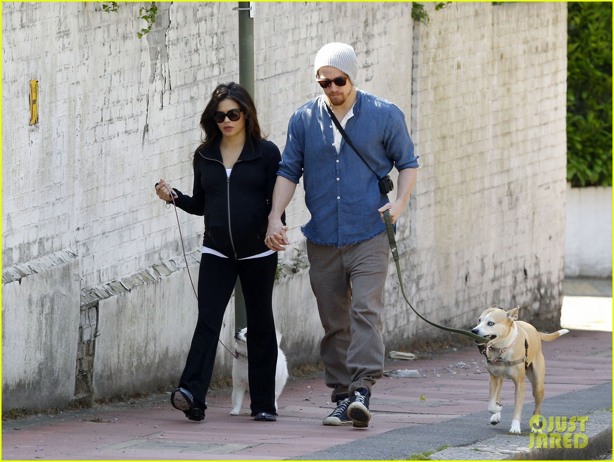 channing tatum jenna dewan take a dog walk following vet visit 14