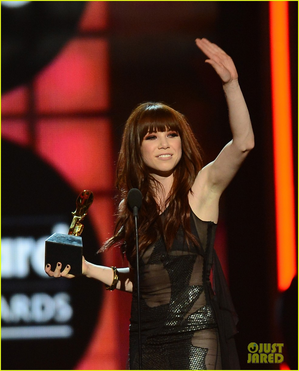 carly rae jepsen billboard music awards 2013 02