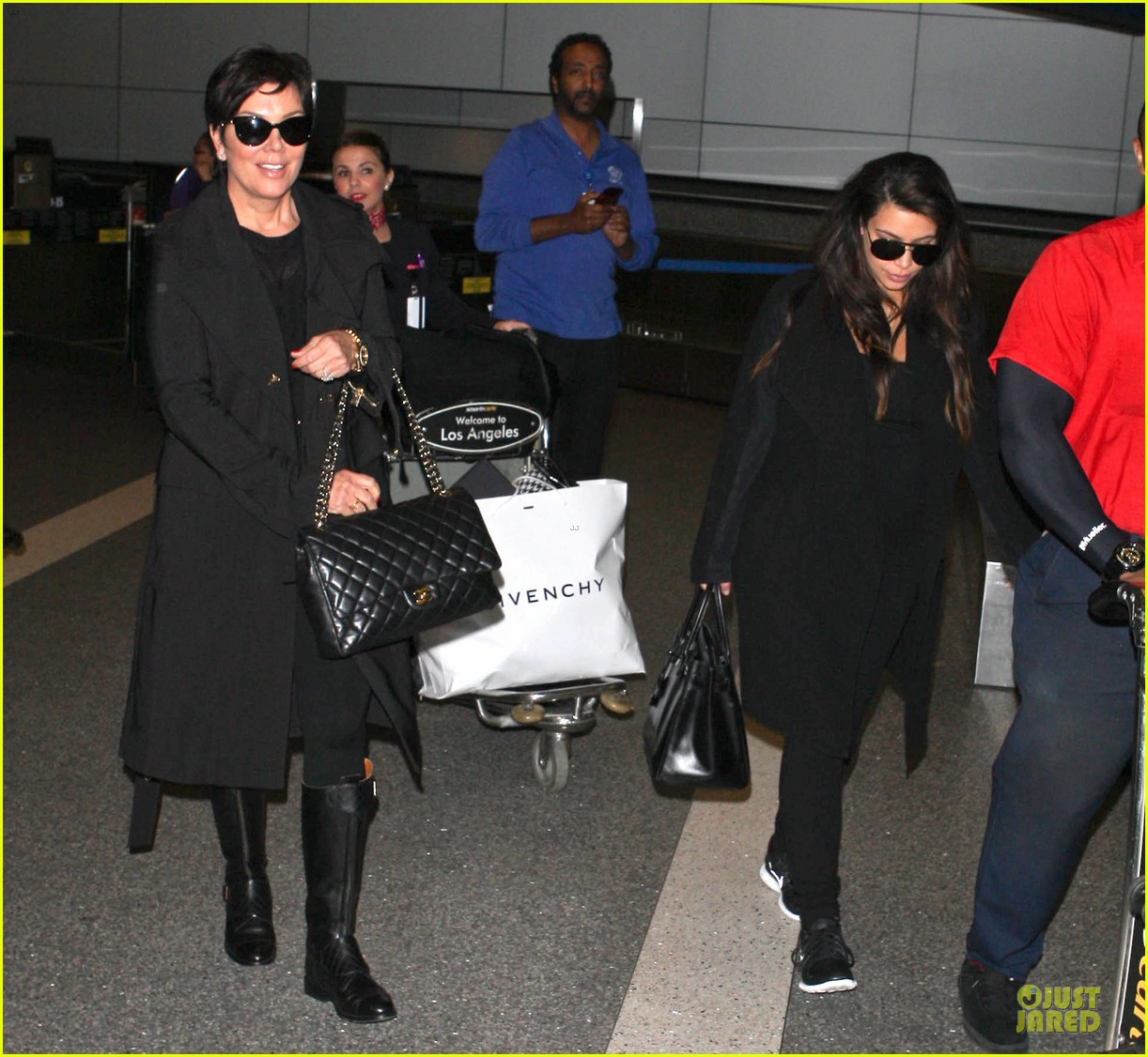 kim kardashian pregnancy weight is defended by sister khloe 082877068