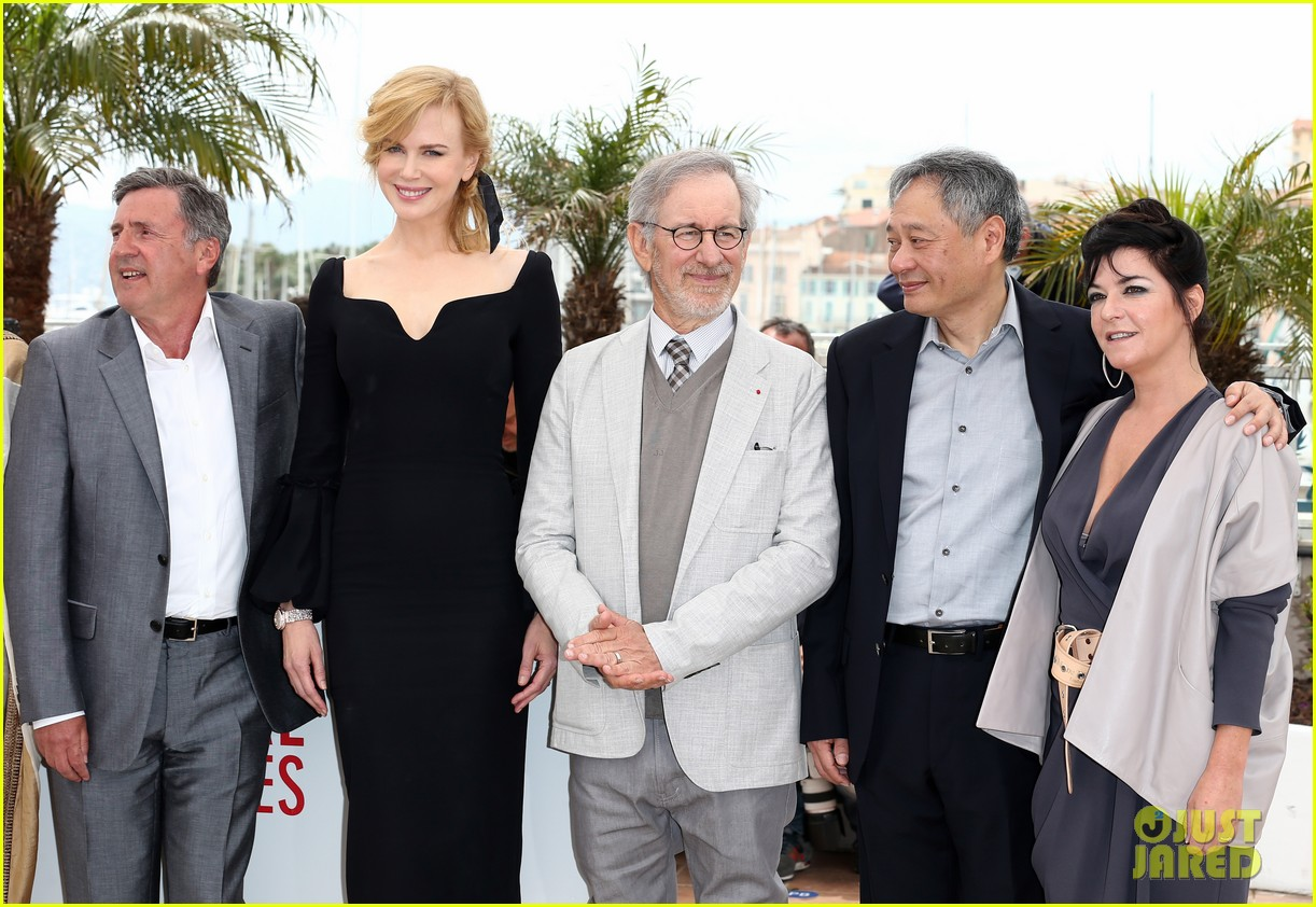 nicole kidman cannes jury press conference photo call 16