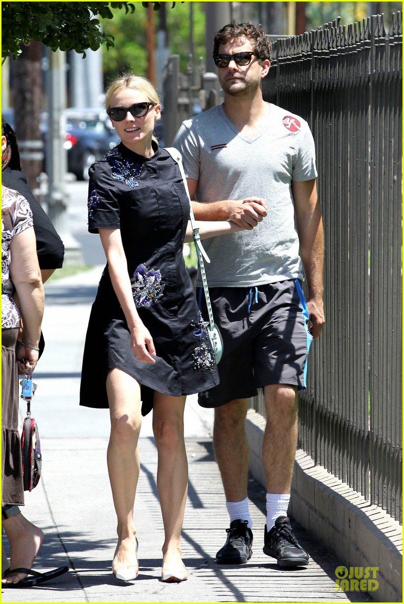 diane kruger hold hands after lunch 102874110